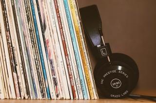 Vinyles et casque © Pixabay